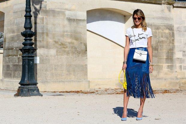 en-iyi-sokak-stilleri-2014-Helena-Bordon-paired-casual-tee-blue-fringed-skirt-pop