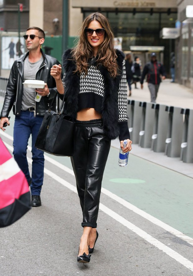 Even-colder-months-Alessandra-Ambrosio-knows-how-rock-crop-top-model-paired-her-short-sweater-leather-trousers-classic-pumps