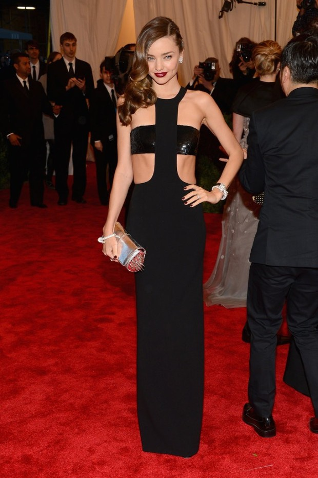 miranda-kerr-black-dress-met-gala-2013-05