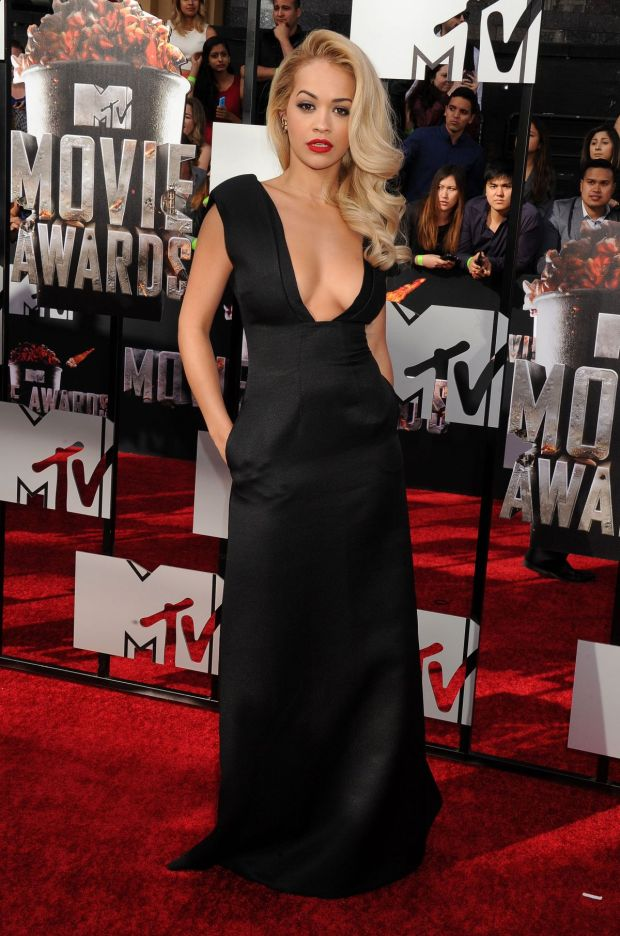 rita-ora-at-mtv-movie-awards-2014-in-los-angeles-1_13